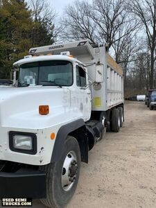 Fully Deleted 2001 Mack RD688S Dump Truck / Used Semi Truck.